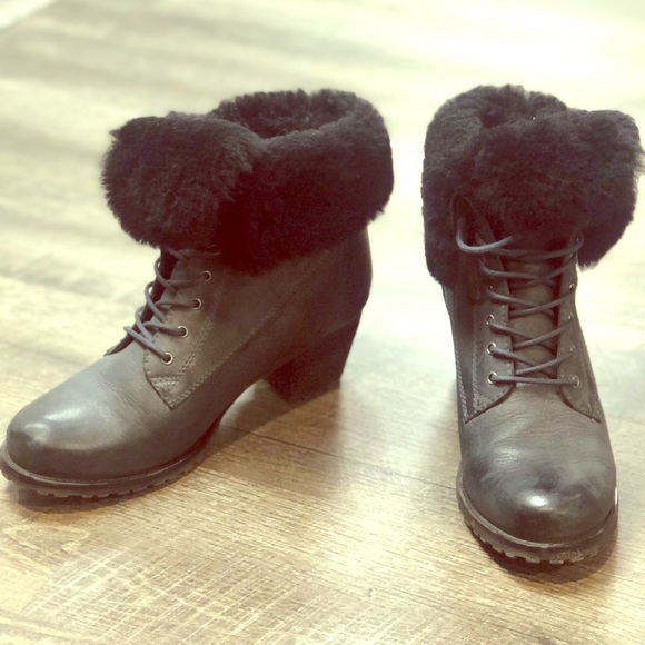 BLONDO leather booties with wool trim